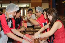 15,915 Mooncakes for Needy makes it into Singapore Book of Records